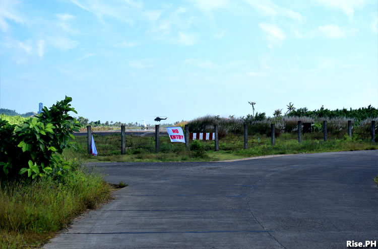 Policemen in Guiuan Airport