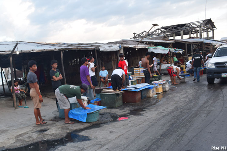 Fish vendors at Tacloban