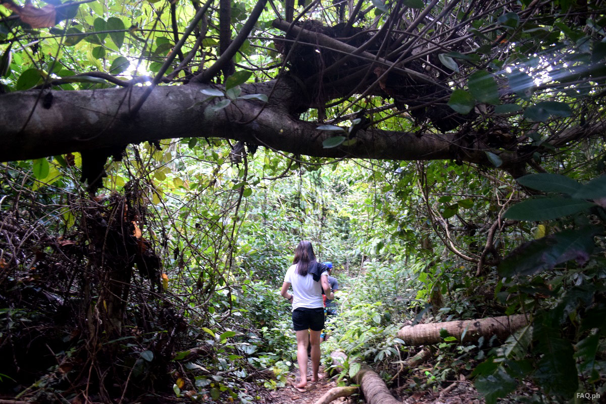 Trekking to linao cave